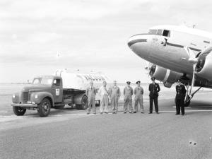 TITLE: Vacuum Oil Company representative and tanker crew at Port Lincoln South Australia CATEGORY: photograph FORMAT: b&w negative STATUS: preservation material