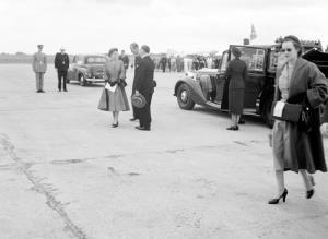 TITLE: Queen Elizabeth II and HRH about to depart from Port Lincoln CATEGORY: photograph FORMAT: b&w negative STATUS: preservation material