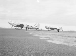 TITLE: VIP aircraft under guard at Port Lincoln CATEGORY: photograph FORMAT: b&w negative STATUS: preservation material